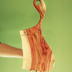 tagliere in legno di carrubo