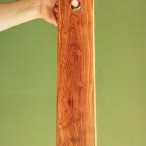 tagliere in legno di mandorlo giovane
